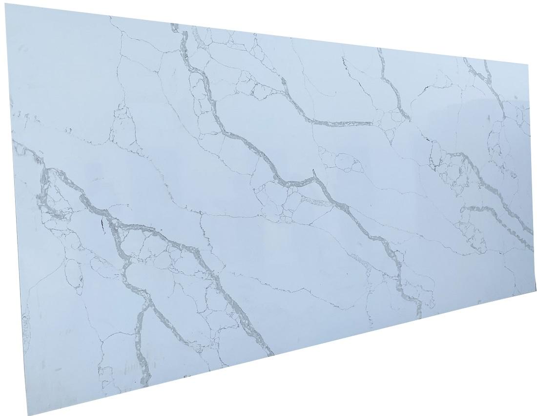 white calacatta quartz stone slab