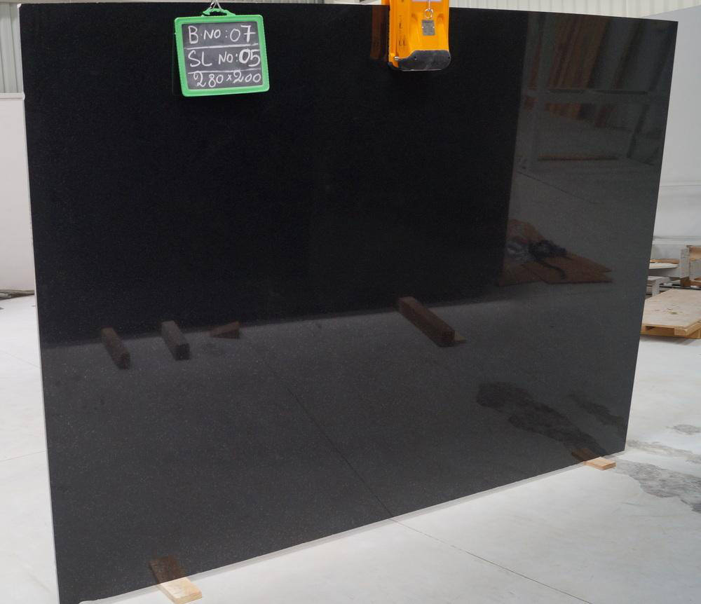Alfa Black granite slab