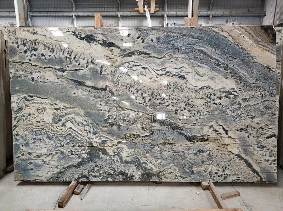 Natural quartz slab