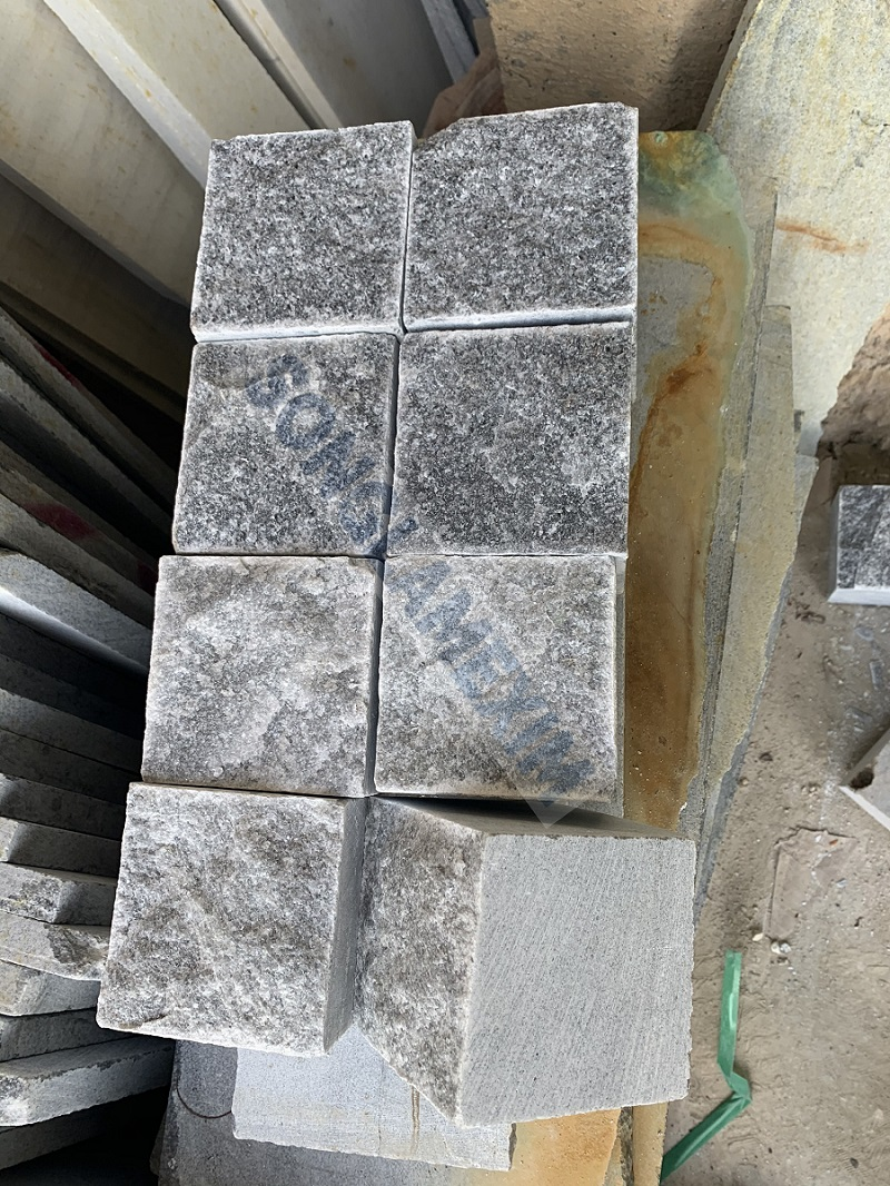GREY MARBLE COBBLE