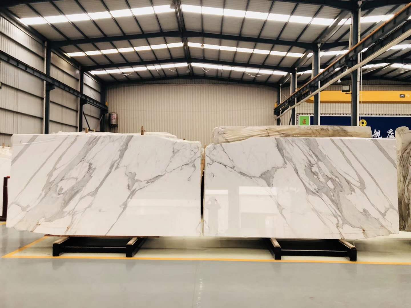 Bookmatched Calacatta White Marble Slabs
