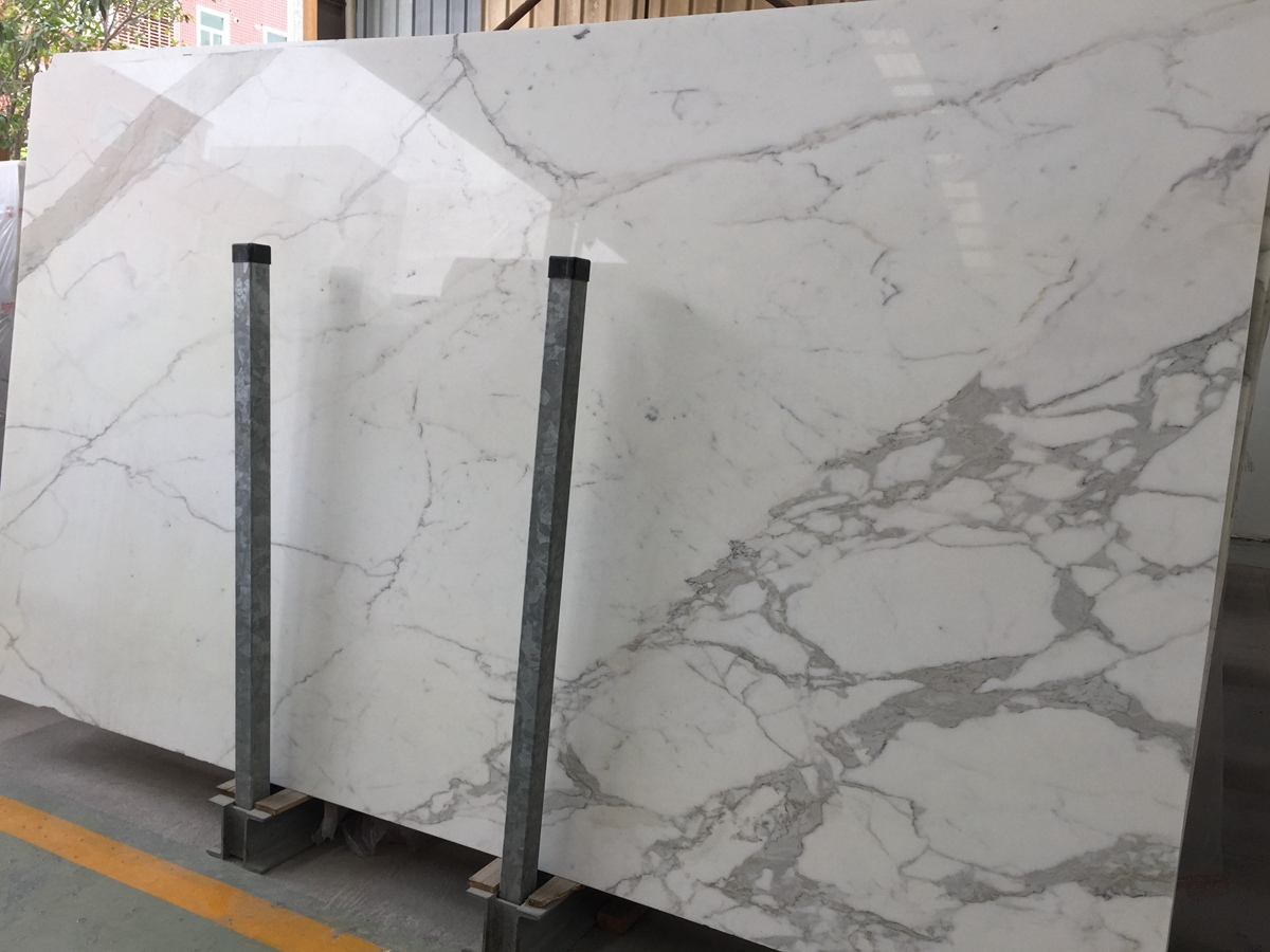 Calcatta White Slab