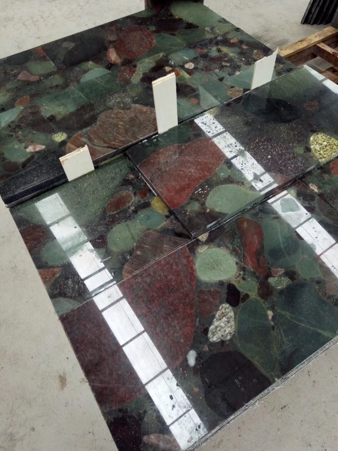 Multicolor Red and Green Granite Tile & Slab Polished Multicolor Granite for Floor