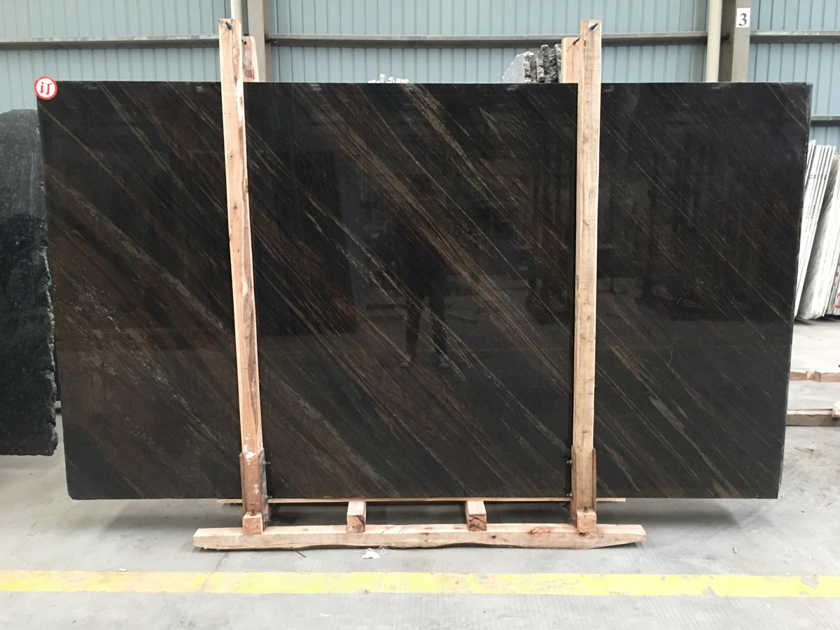 Competitive Indian Polished Brown Granite Slabs