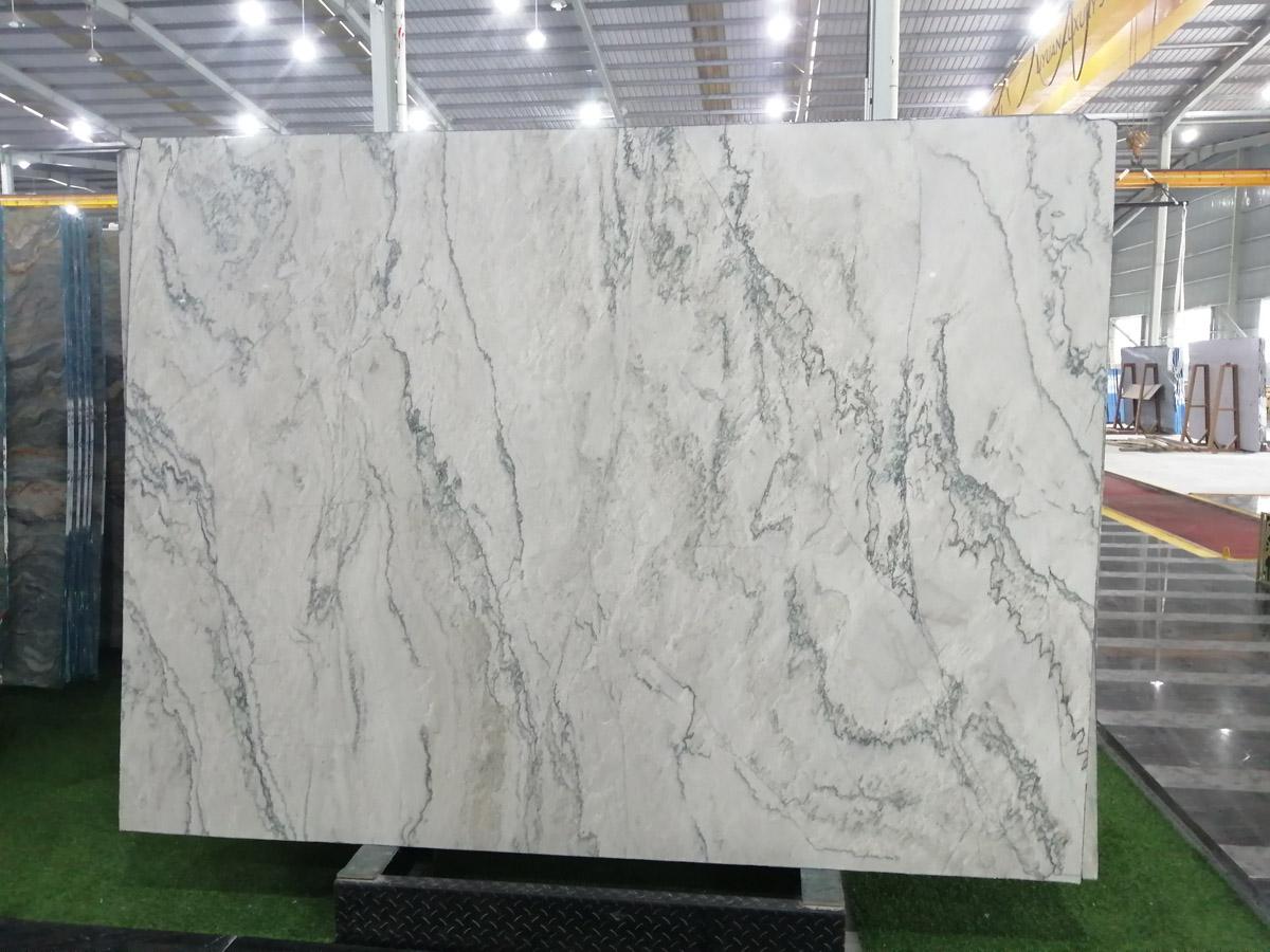 Competitive Brazilian Calacatta Quartzite Slabs