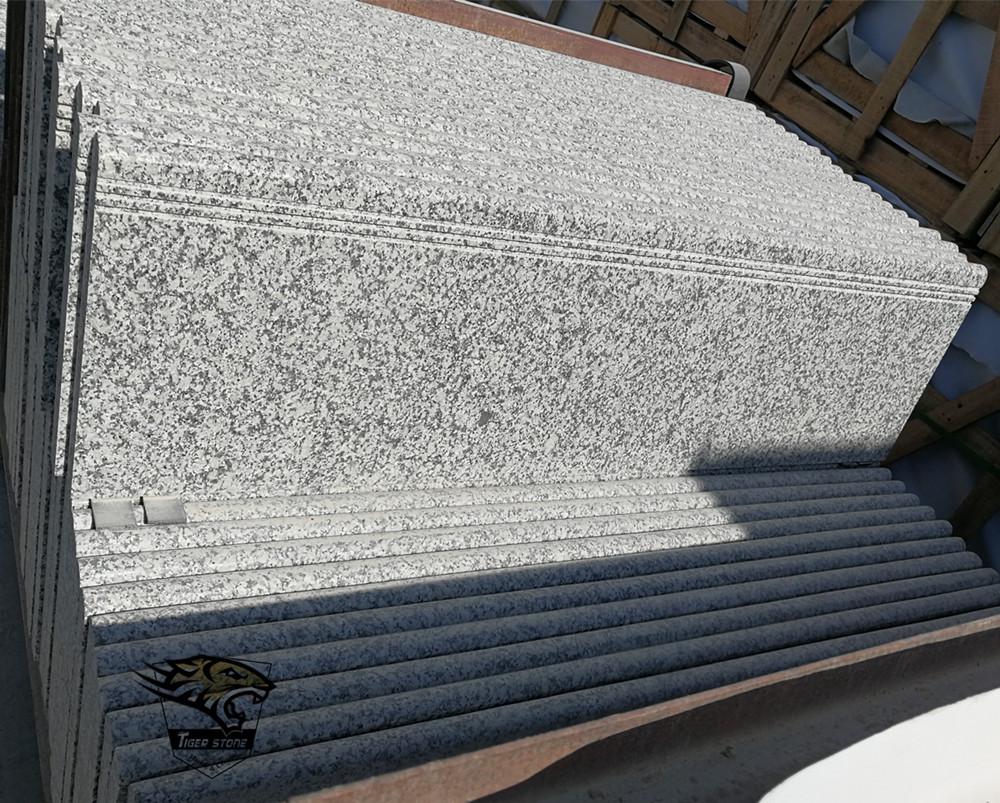 G622 Natural Granite Tiles