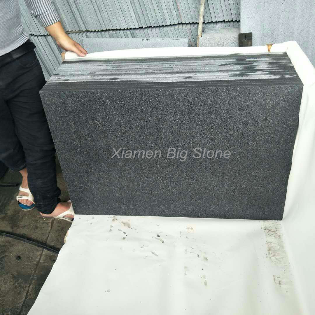G654 Chinese Dark Grey Flamed Granite Tile