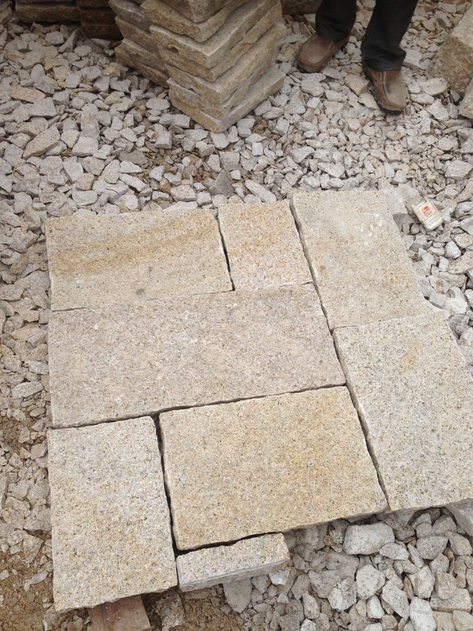 G682 Yellow Cobble Stone