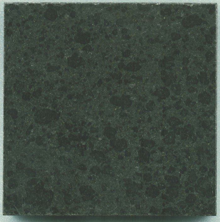 G684 Pearl Black