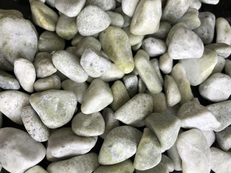 yellow & green pebble ball stone GS-011