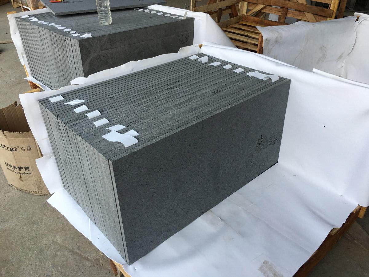 Hainan Black Andesite Flooring Tiles