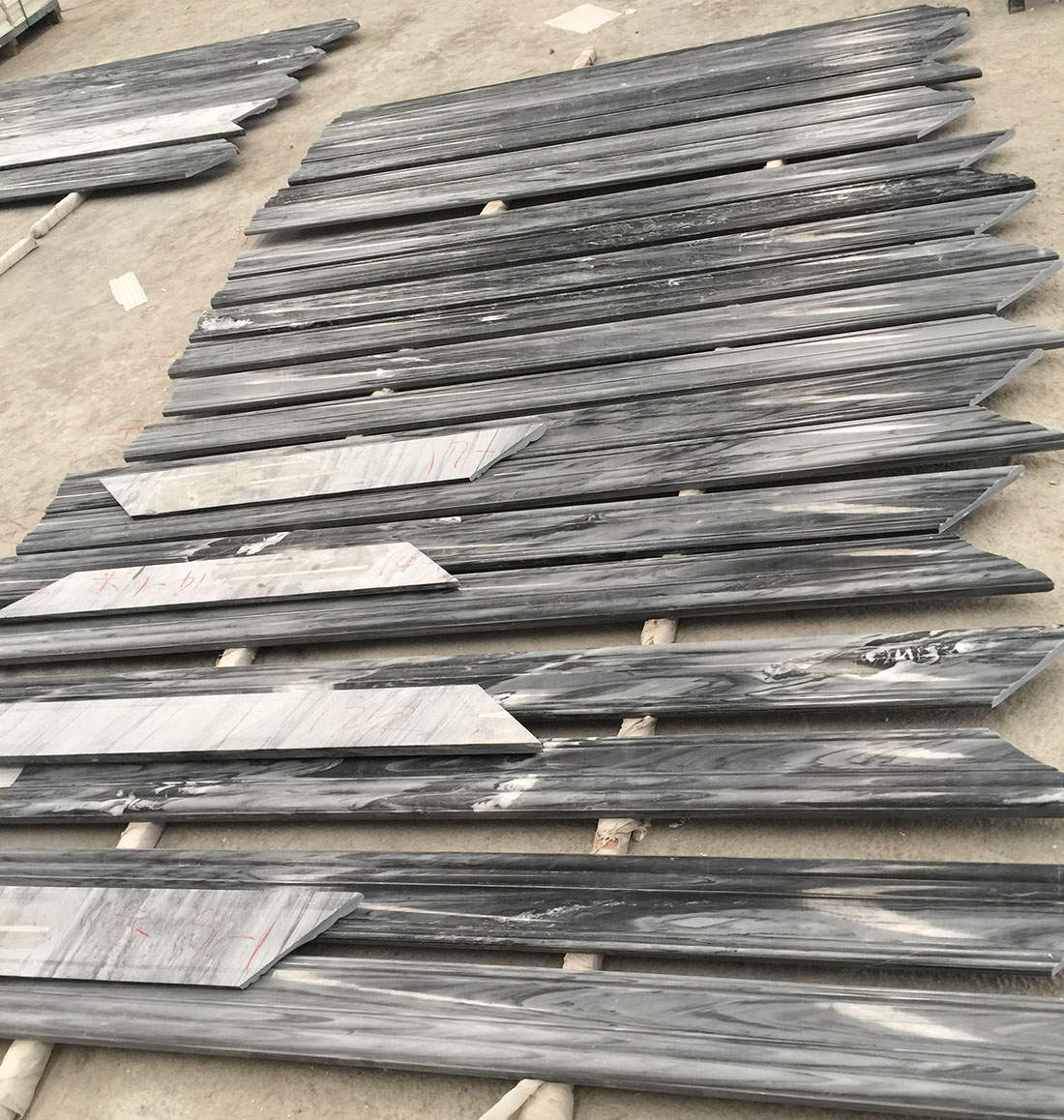 unique black marble mouldings