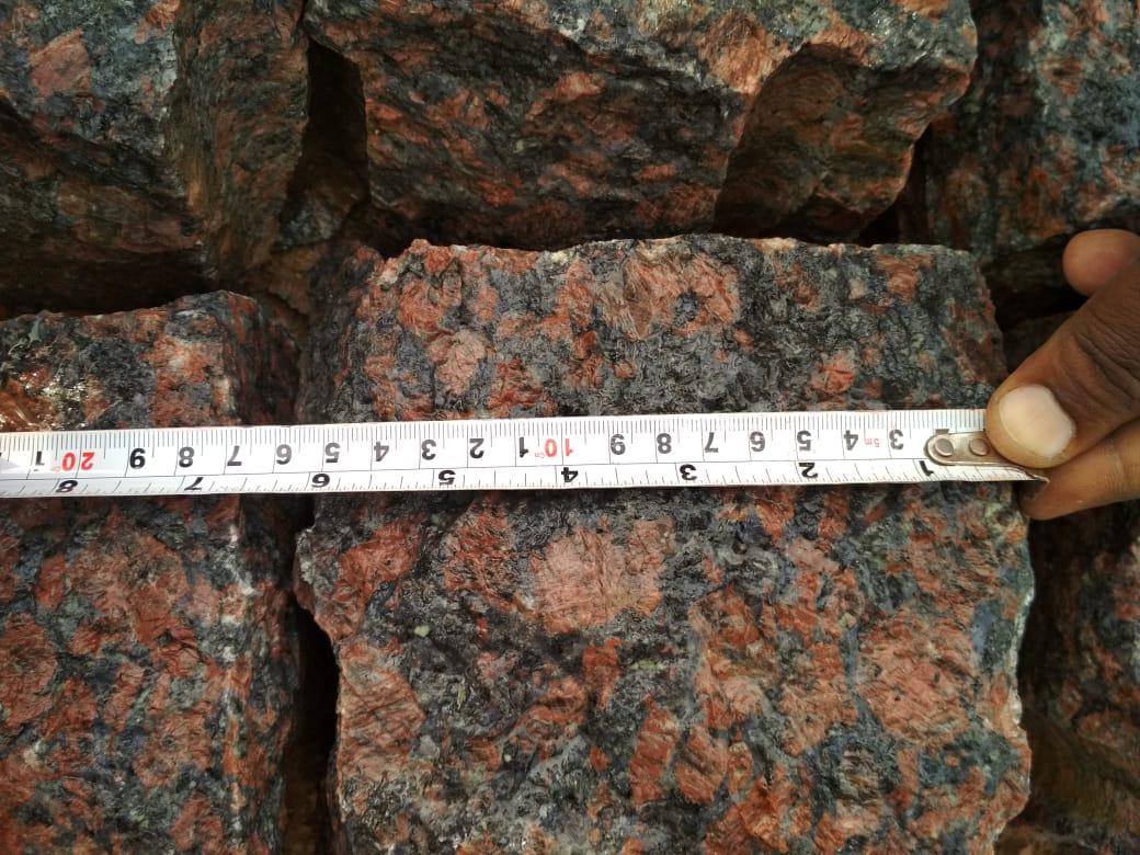 Maple Red Granite Cube Stone