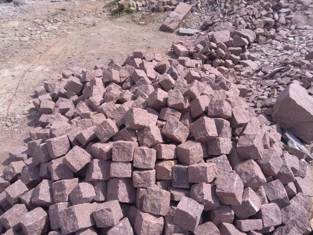 India Red Granite Cube Stone