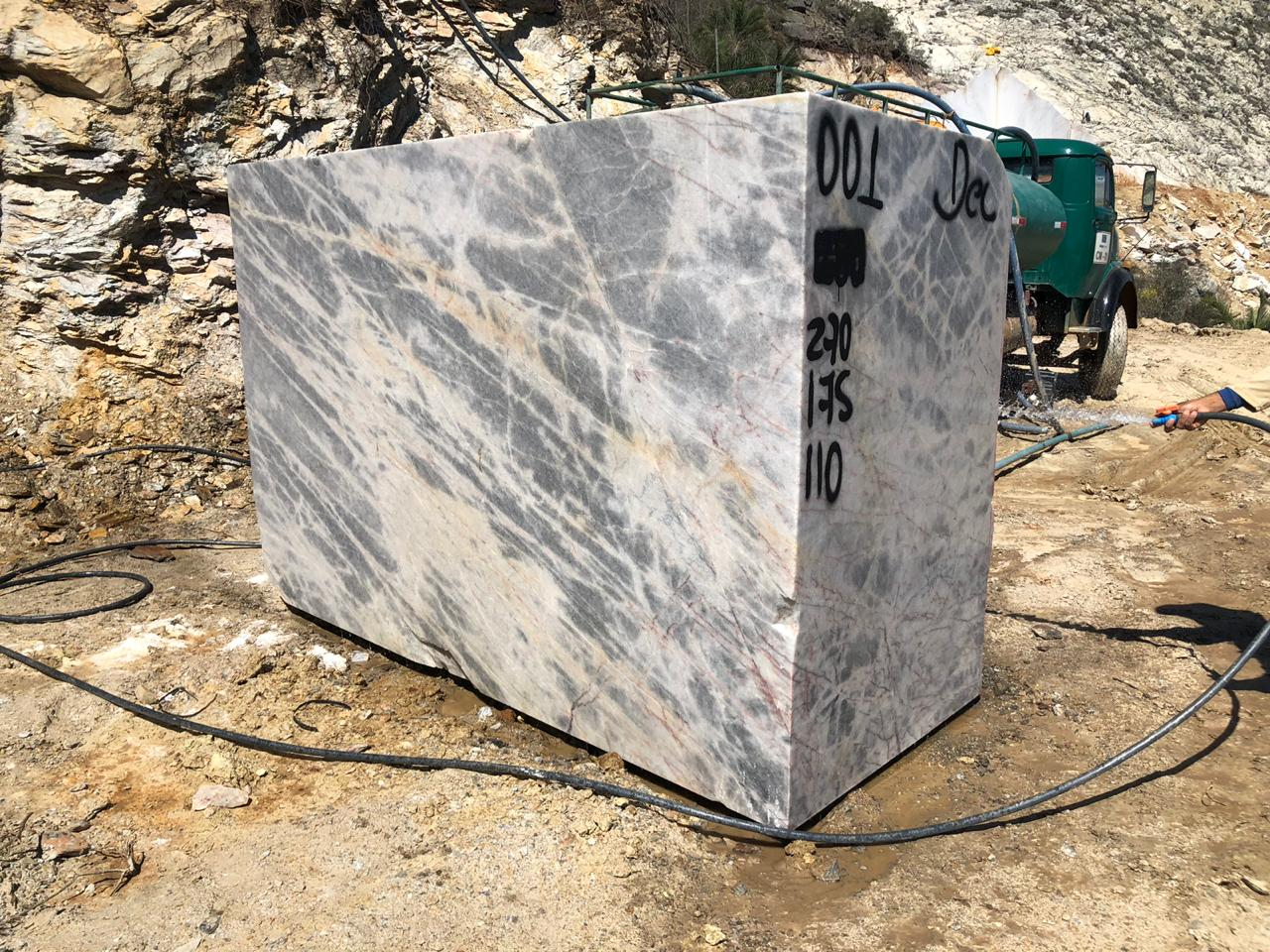 Brazilian Natural Quartzite Stone Blocks