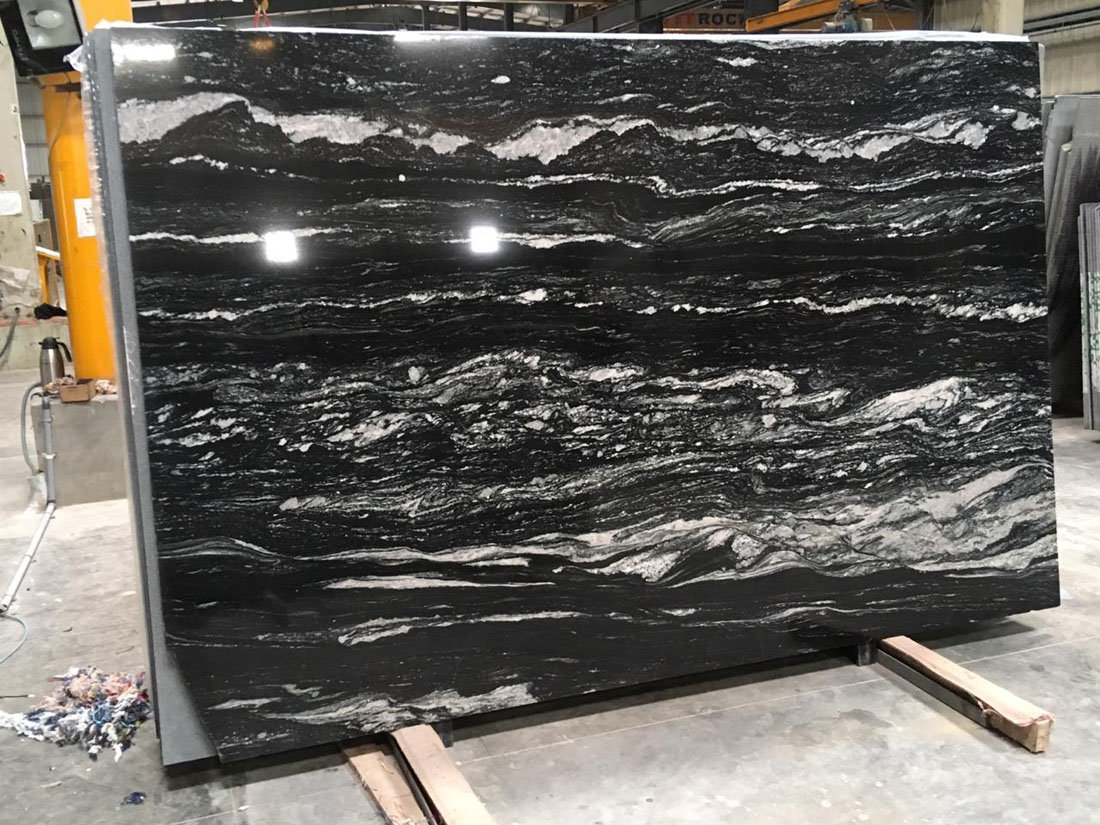Indian Black Polished Granite Slabs