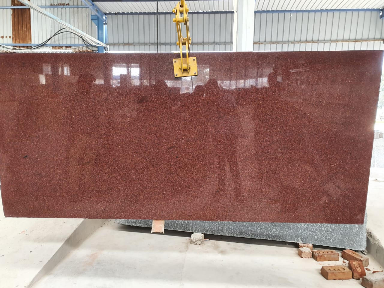RED GRANITE Slabs