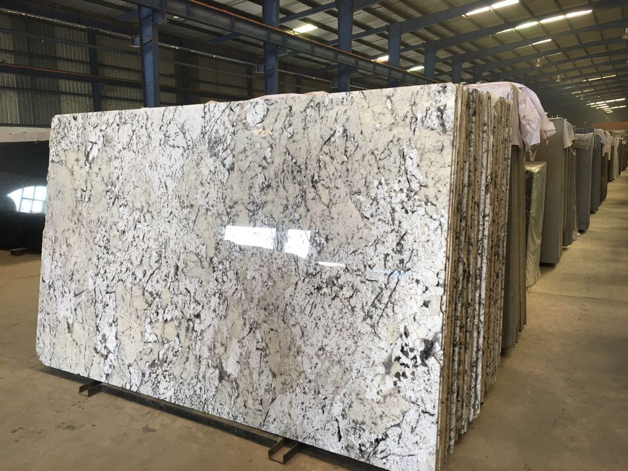 ALSAKA WHITE GRANITE
