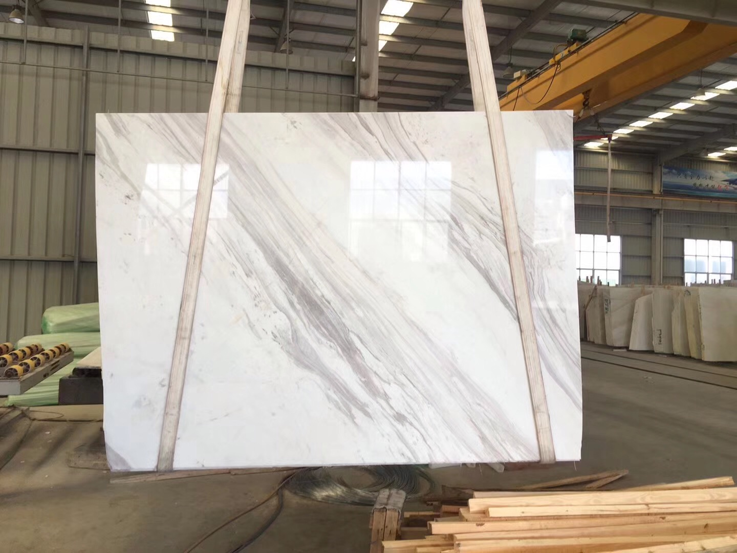 Volakas 1.8cm slabs from Old Quarry with Light Grey Veins on sell