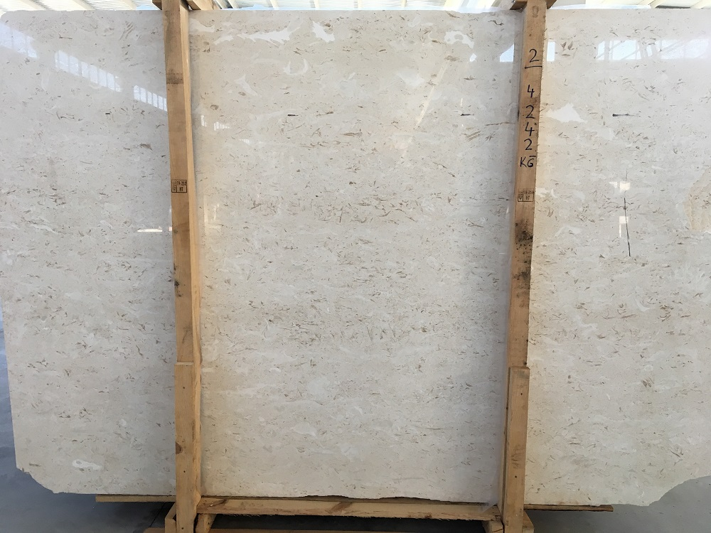 Trieno Creama Limestone Slabs