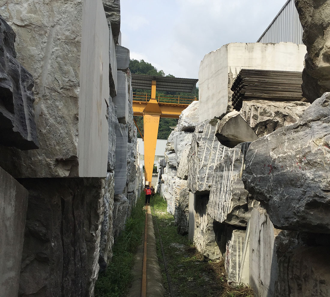Marble Factory Of White and Black Marble Blocks