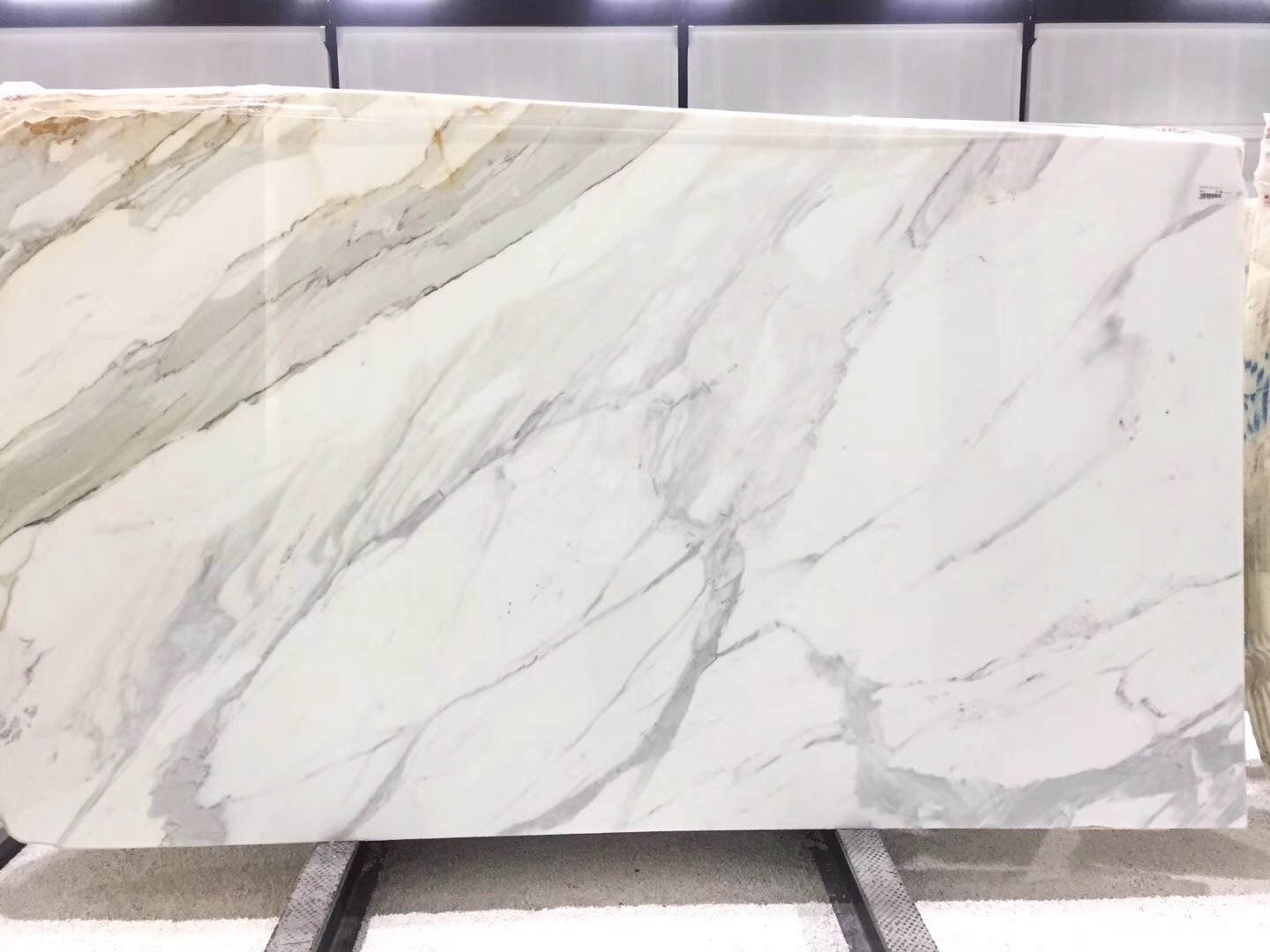 Calacatta Gold Polished Marble Slabs