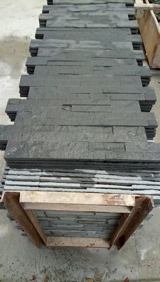 Black Sandstone Veneers