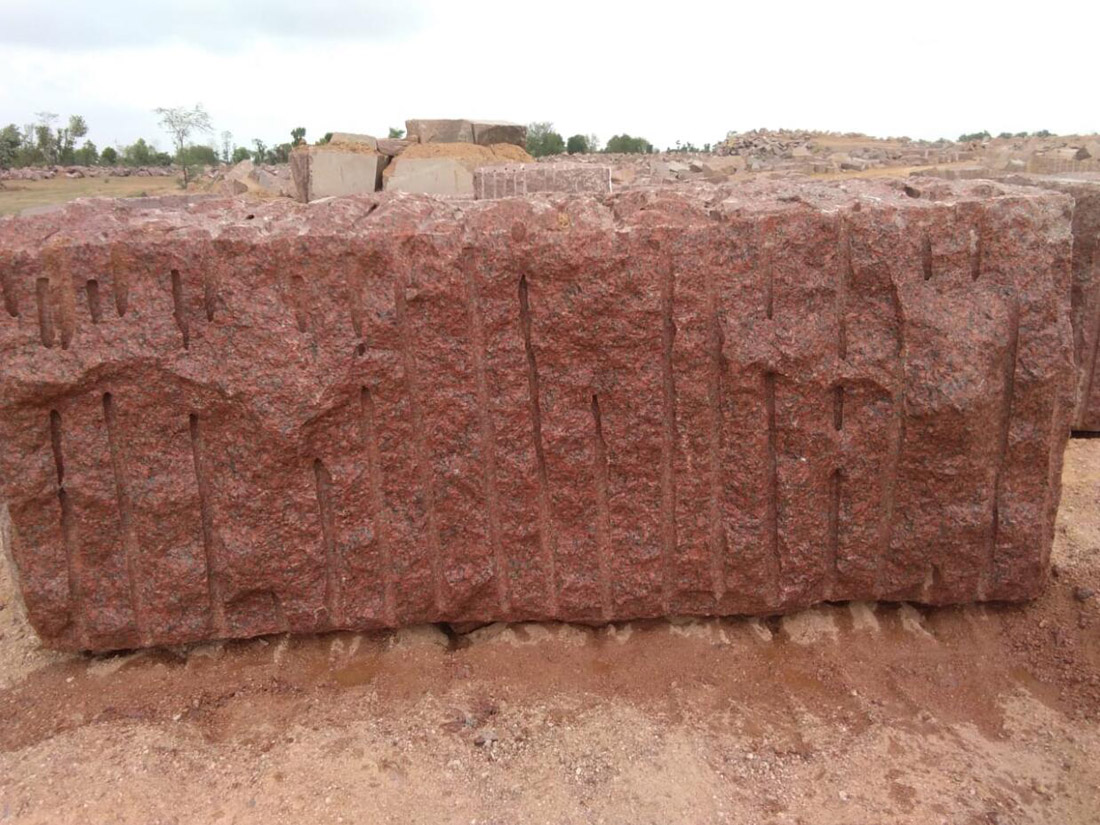 Indian PG Red Natural Granite Blocks