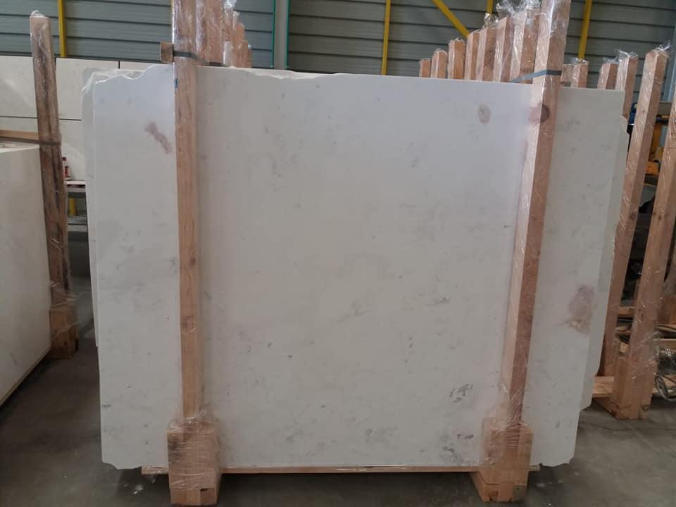 White Kyknos Marble Slab