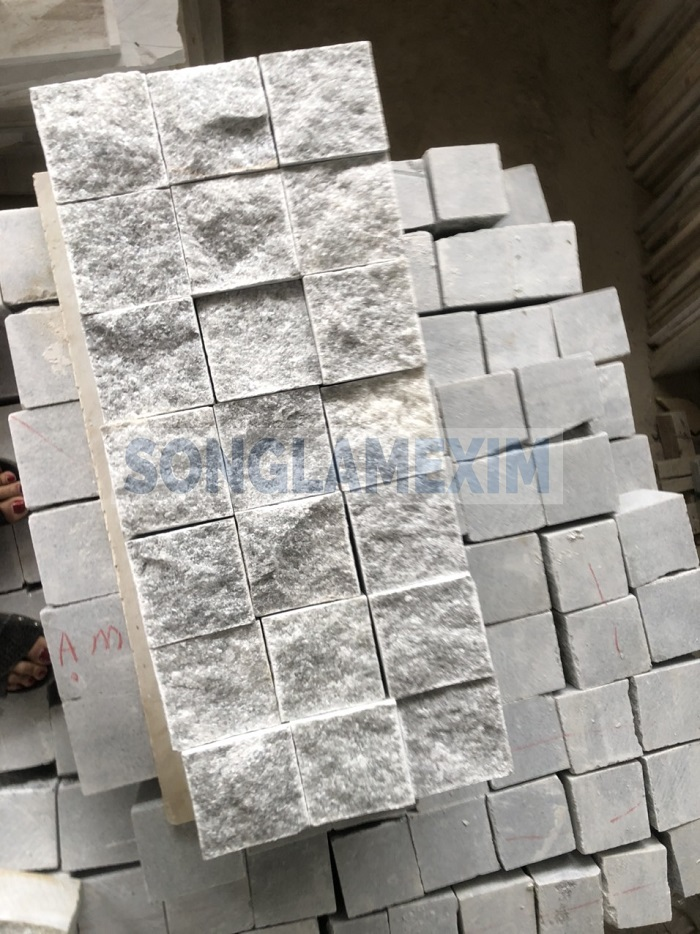 Crystal Light Grey Cobbles