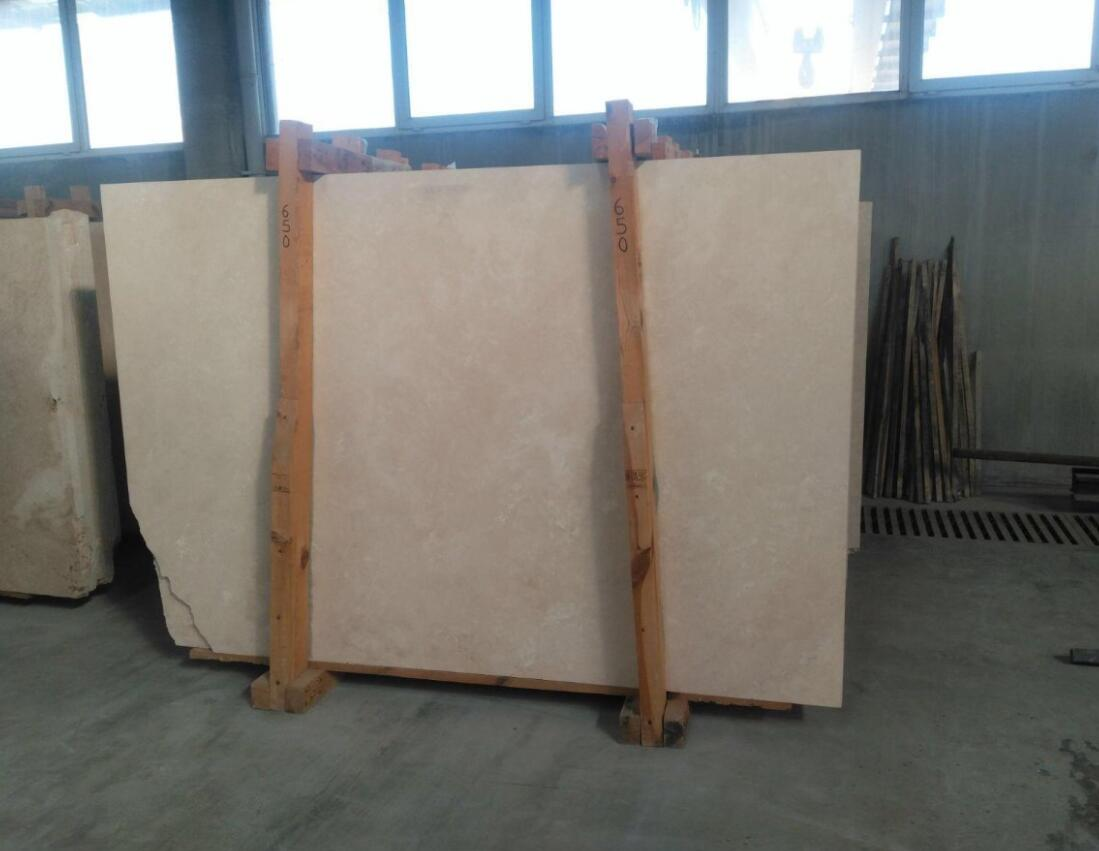 Light Crosscut Travertine Slabs
