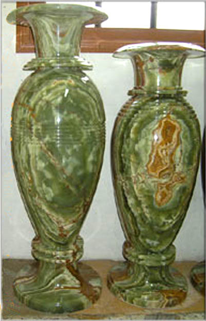 OFFERING ONYX TALL VASES IN MULTY GREEN ONYX