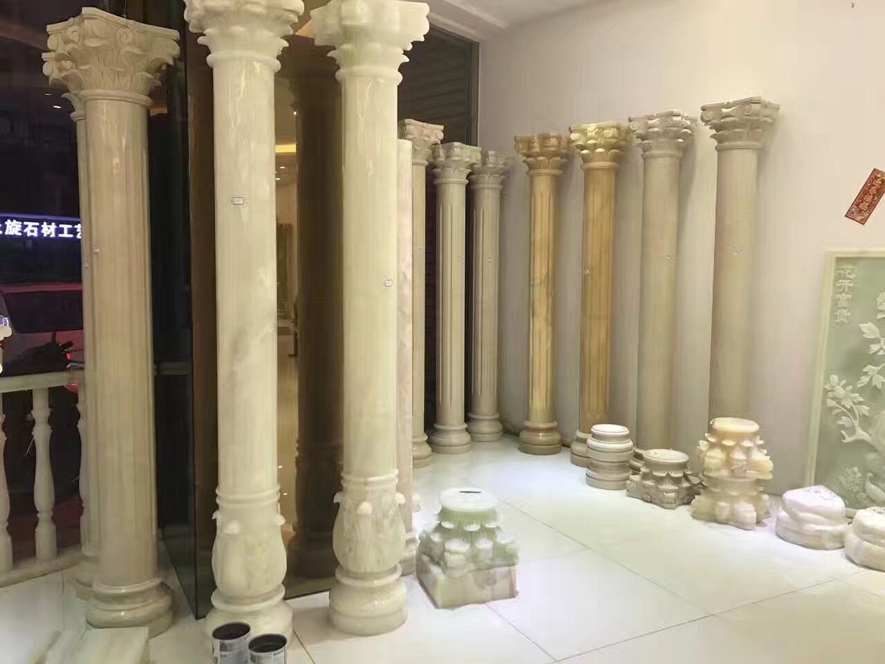 Handcarved Stone Column Roman Style Columns  White Marble Roman Style For Decorative Outdoor
