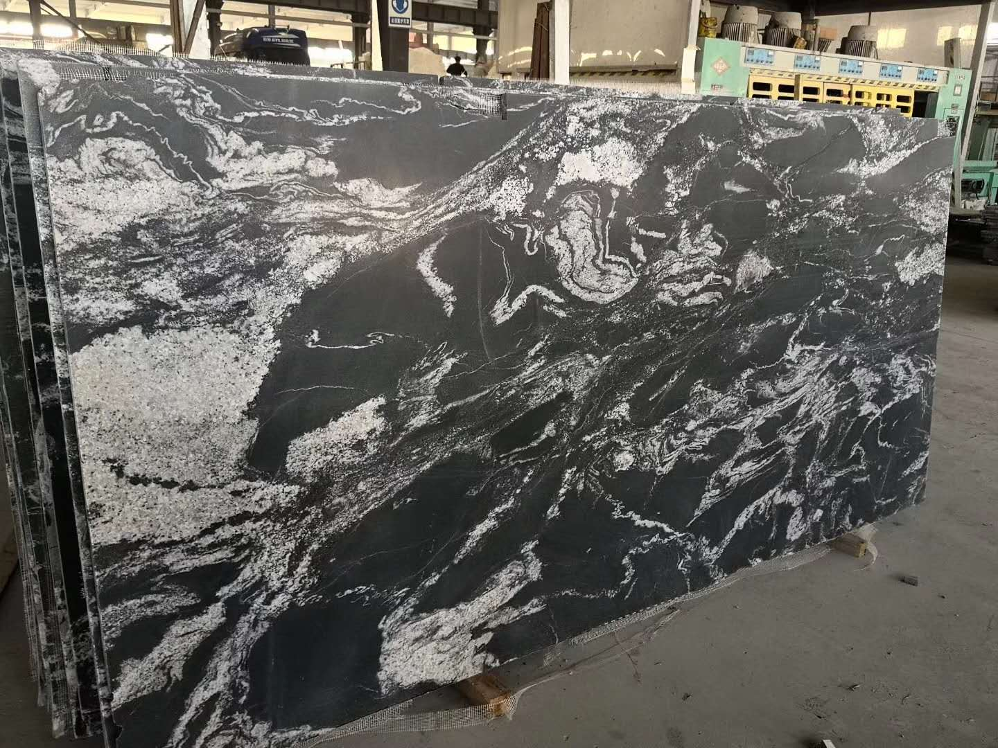 Royal Black Chinese Granite Slabs