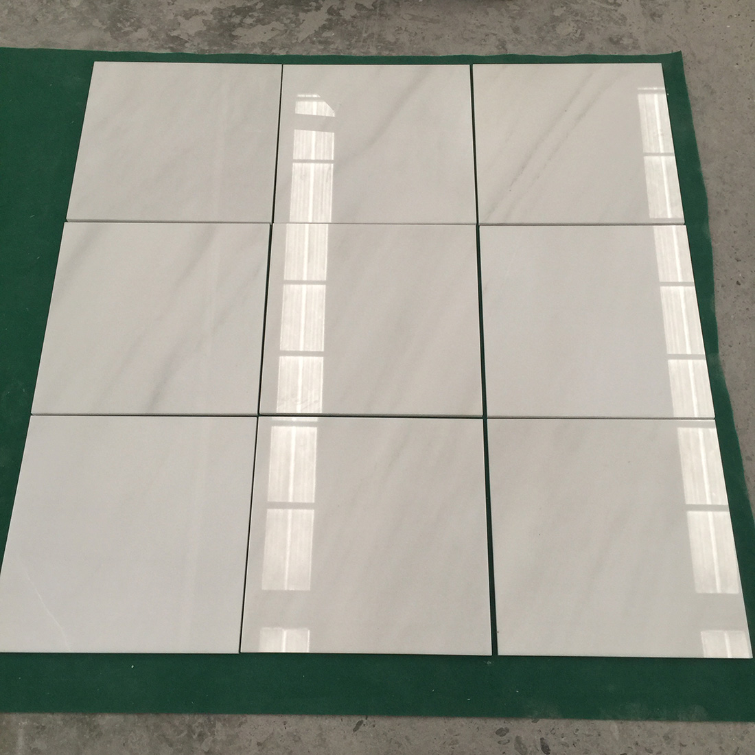 China Pure Crystal White Marble Polished Tile Cut to Size Snow White Marble Slab Tile Panel for Hotel Wall Cladding