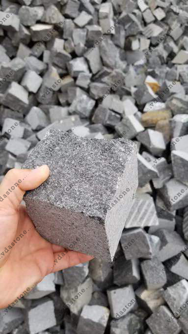 Black Granite Cubic Stone