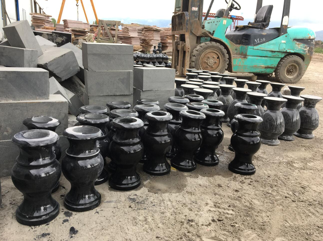 Shanxi Black Granite Vase