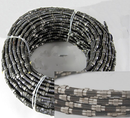 Spring diamond wire saw for marbletravertine quarry