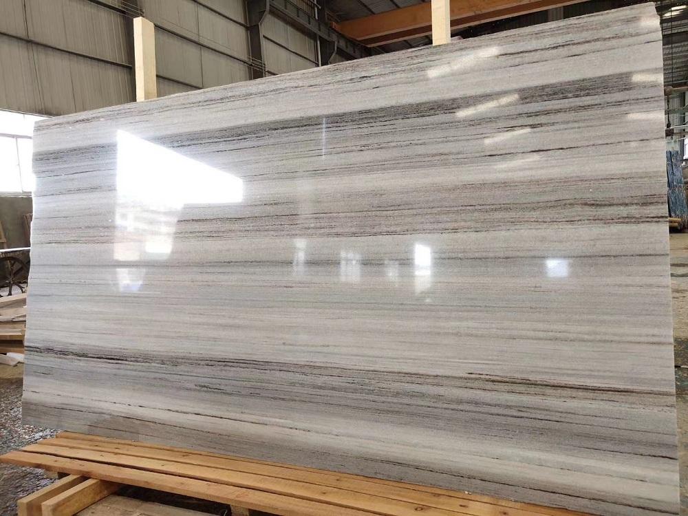 The crystal grain of wood