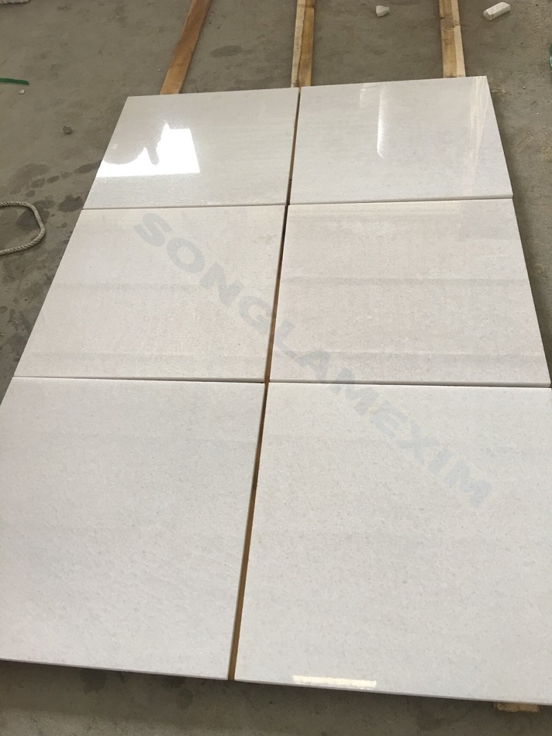 Medium Crystal White Marble Tile