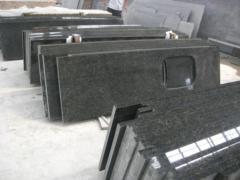 Verde Ubatuba Granite Kitchen Countertop