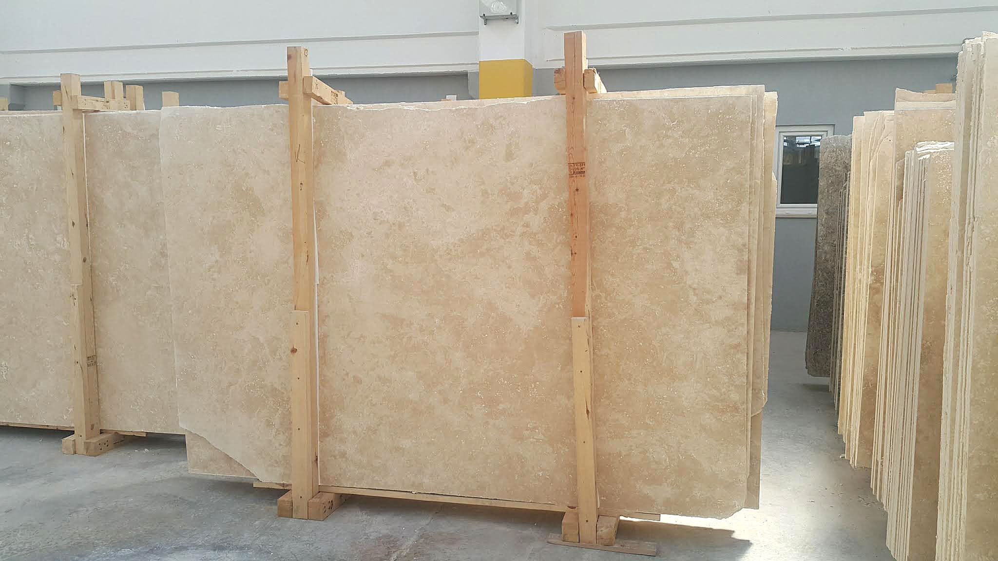 Turkish Ivory Light Travertine Cross Cut Slab