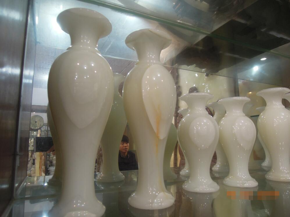 Polished Onyx White Vase