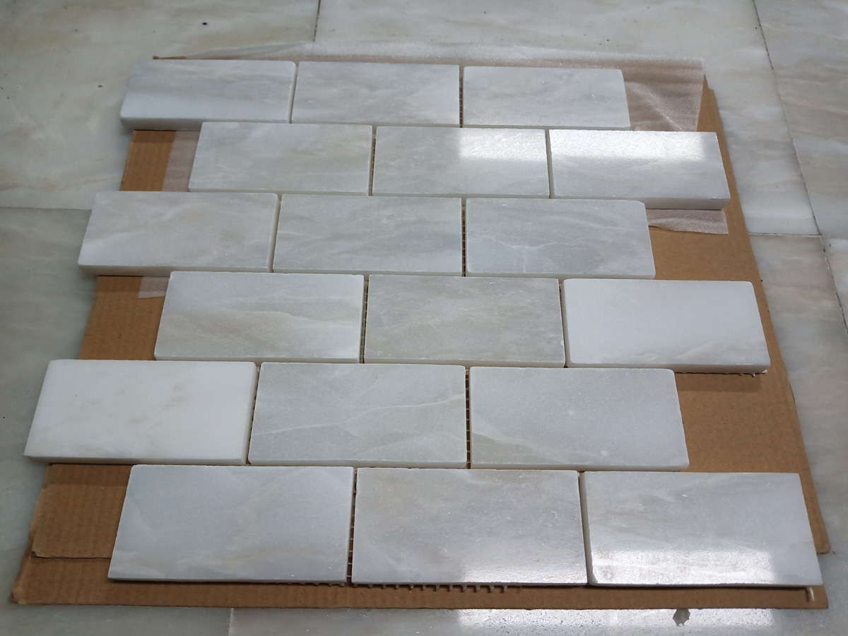 White Marble Mosaics for Bathroom Walling