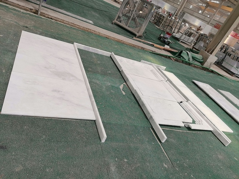 White marble moulding
