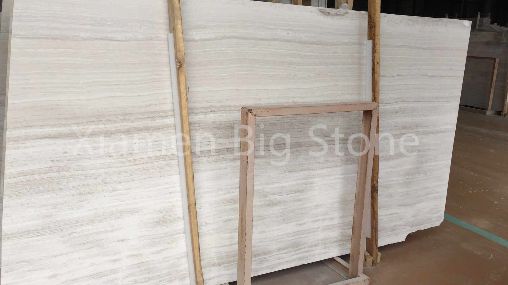 White Wooden Light Color Straight Veins