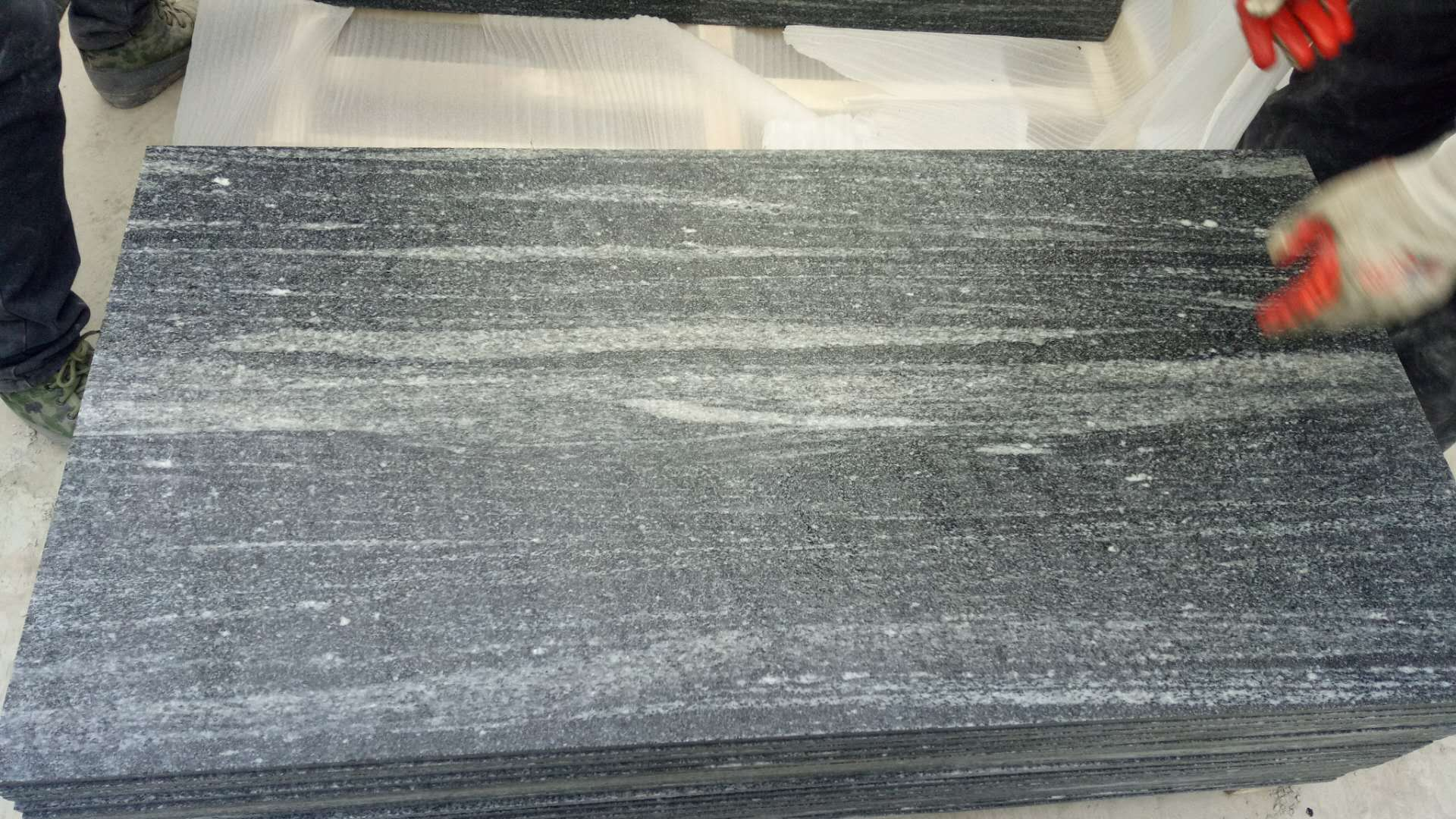 Mountain Green Granite Flamed Tiles