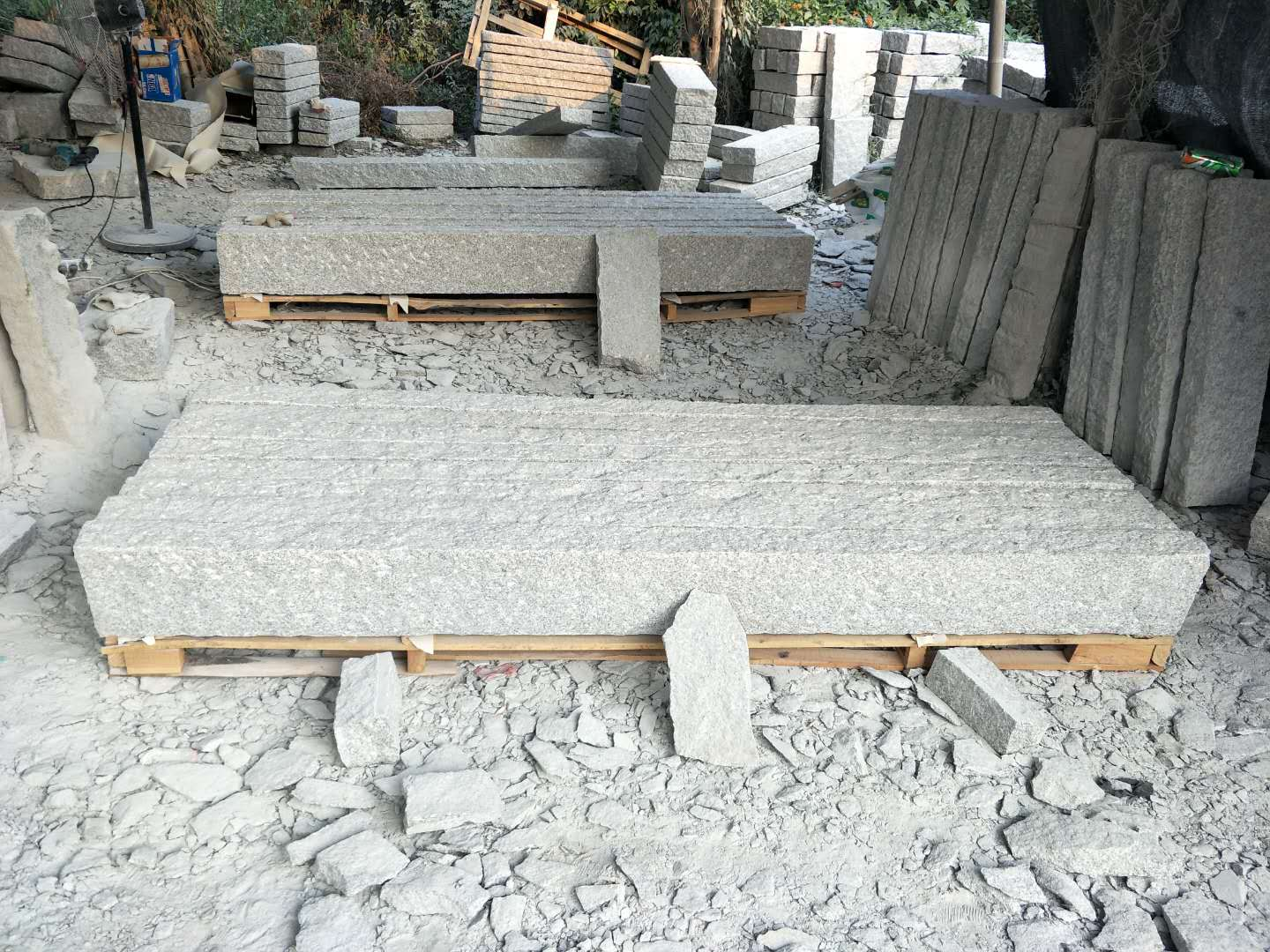 light granite granite palisade
