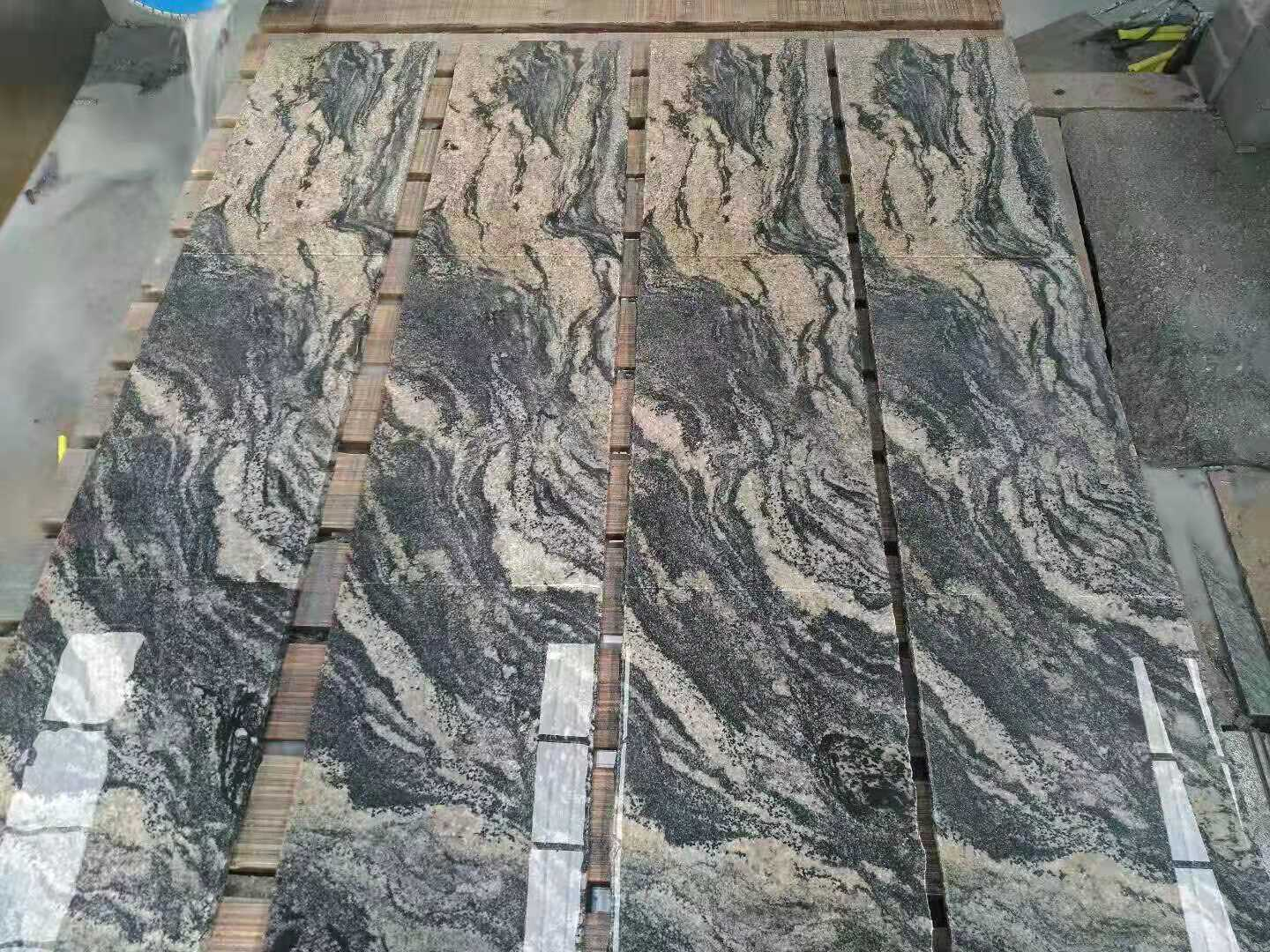 China Juparana New Color Polished Granite Tiles