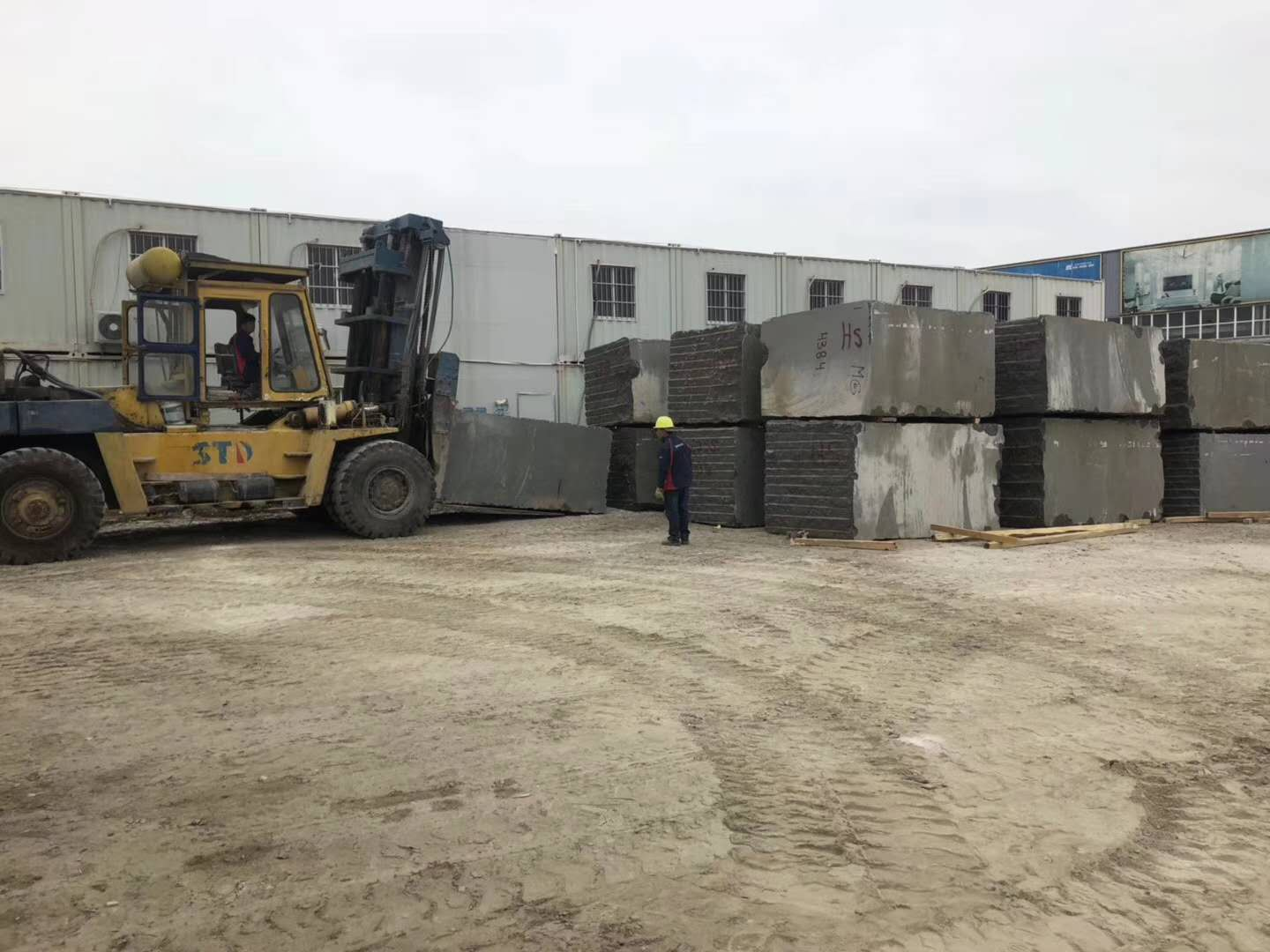 Angola Black Granite Blocks from China